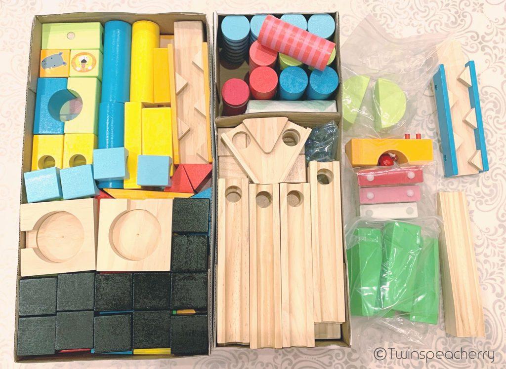 トイザらスイマジナリウムビー玉ころがし積み木つみき200ピース開封_open_the_building_blocks_200pieces_with_glassball