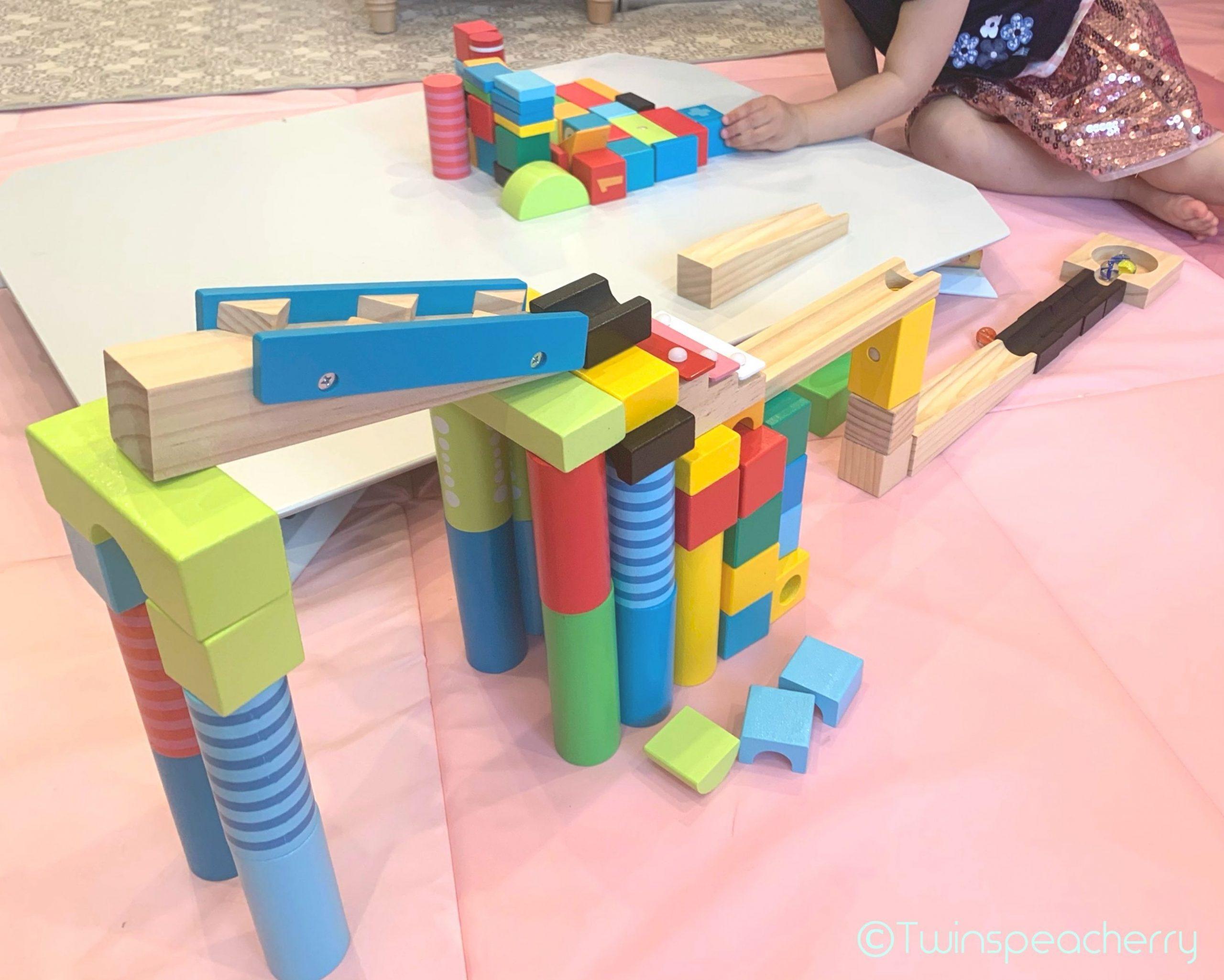 【双子4歳‐知育おもちゃ】ピタゴラスイッチみたいな積み木200ピースで遊んでみた!大人も楽しい☆(ベビーザらス イマジナリウム 木製DXカラフルビー玉 ころがしつみきセット)