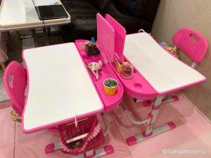双子4歳の机を母の仕事スペースの横に移動(幼い子供と一緒にテレワーク)