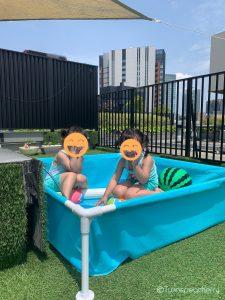 双子4歳、春ビニールプール始めました【ルーフバルコニー(屋上テラス)・ベランダで幼児と水遊び!】INTEX(インテックス)ミニフレームプール ブルー 122×122×30cm