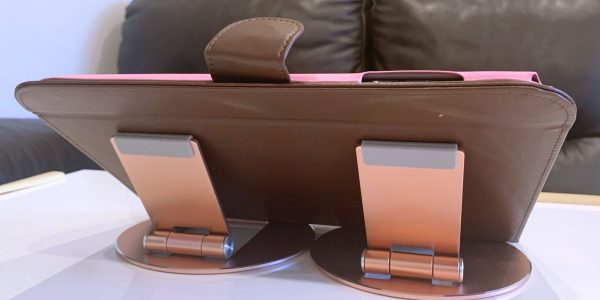スマイルゼミタブレット(10.7インチ)用スタンド!角度調整・安定性・カバー付きのままOK!ピンクでキュート🎵